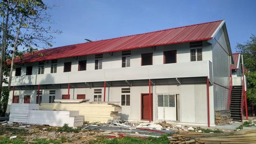 Sandwich Panel House